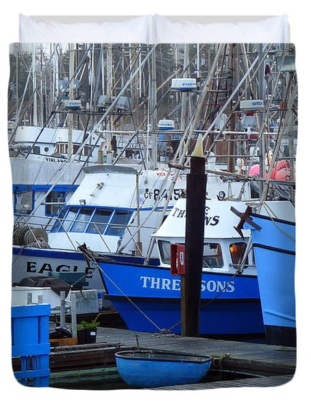 Boats Docked In Harbor Duvet Cover by Jeff Lowe