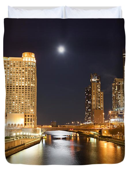 Chicago At Night At Columbus Drive Bridge Duvet Cover by Paul Velgos
