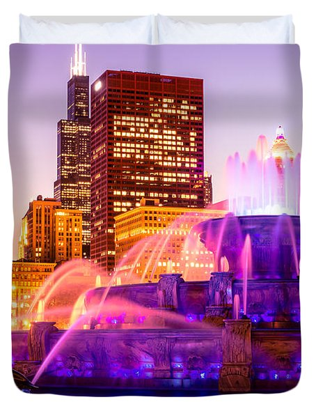 Chicago at Night with Buckingham Fountain Duvet Cover by Paul Velgos