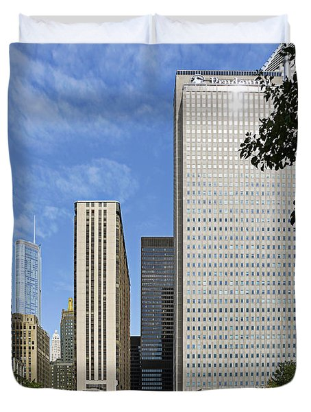 Chicago Millennium Monument and Fountain Duvet Cover by Christine Till