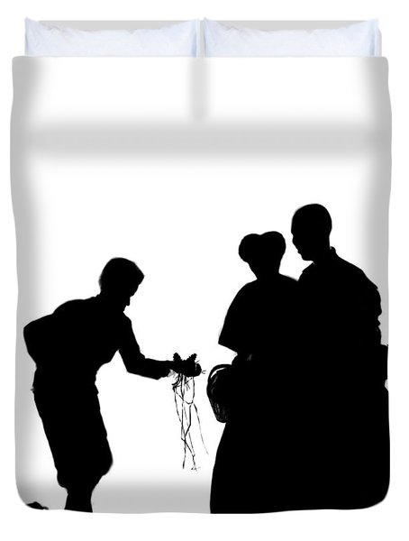 Christmas Gift - A Silhouette 1a Duvet Cover by Reggie Duffie