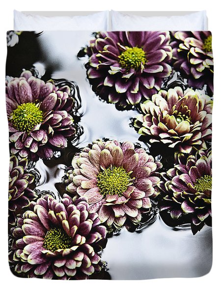 Chrysanthemum 3 Duvet Cover by Skip Nall
