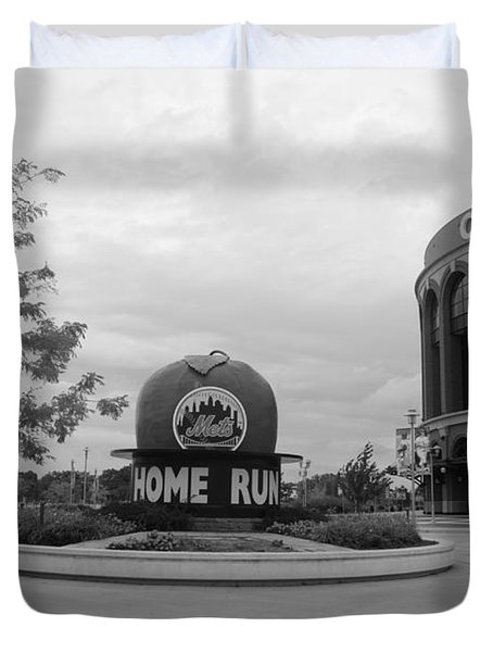 CITI FIELD in BLACK AND WHITE Duvet Cover by ROB HANS