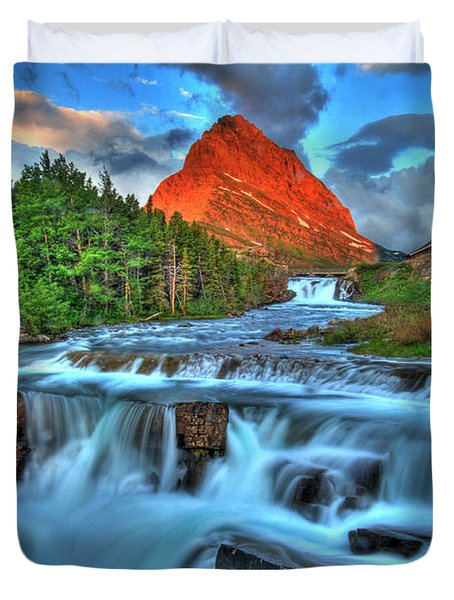 Clouds And Waterfalls Duvet Cover by Scott Mahon