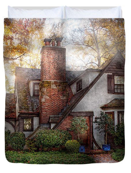 Cottage - Westfield Nj - Grandma Ridinghoods House Duvet Cover by Mike Savad