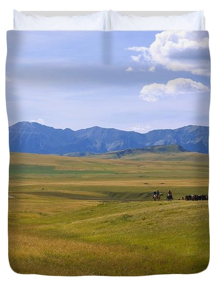 Cowboys And Wagon On A Cattle Drive Duvet Cover by Carson Ganci