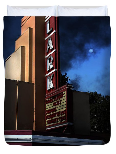 Creature Feature At The Lark - Larkspur California - 5D18484 Duvet Cover by Wingsdomain Art and Photography