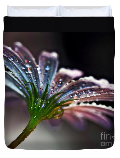 Daisy Abstract With Droplets Duvet Cover by Kaye Menner
