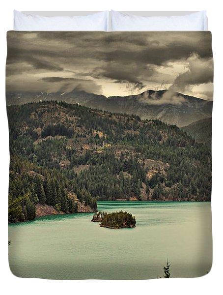 Diablo Lake - Le grand seigneur of North Cascades National Park WA USA Duvet Cover by Christine Till