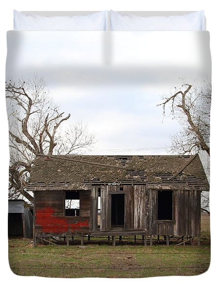 Dilapidated Old Farm House . 7d10341 Duvet Cover by Wingsdomain Art and Photography