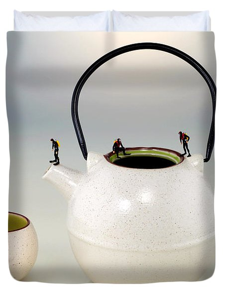 Diving On Tea Pot And Cup Duvet Cover by Paul Ge