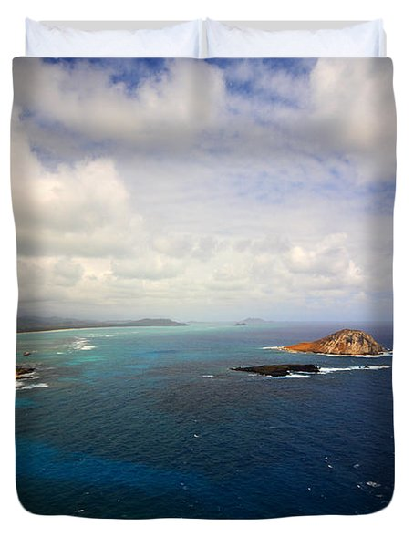 East Oahu Coastline Duvet Cover by Cheryl Young