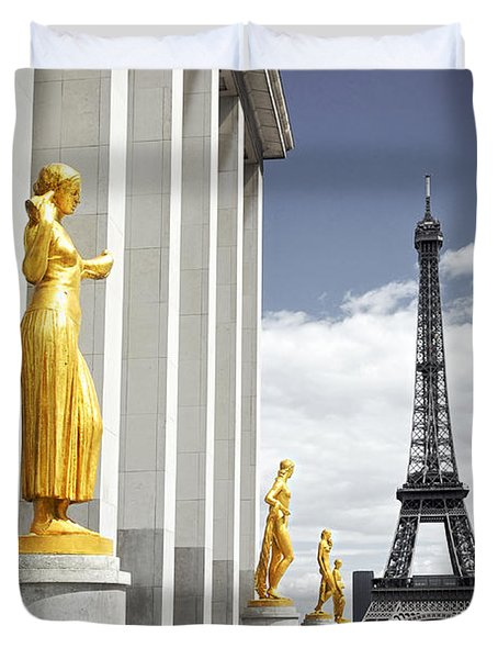 Eiffel Tower From Trocadero Duvet Cover by Elena Elisseeva