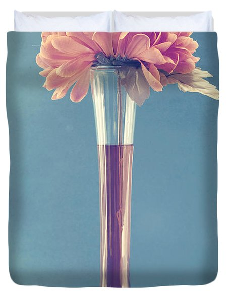 Estillo Vase - S01v3f Duvet Cover by Variance Collections