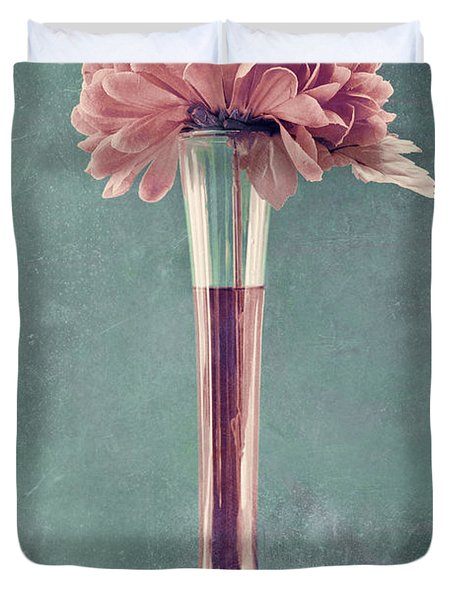 Estillo Vase - s01v4b2t03 Duvet Cover by Variance Collections