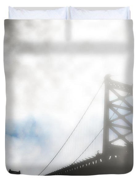 Foggy Ben Franklin Bridge - Philadelphia Duvet Cover by Bill Cannon