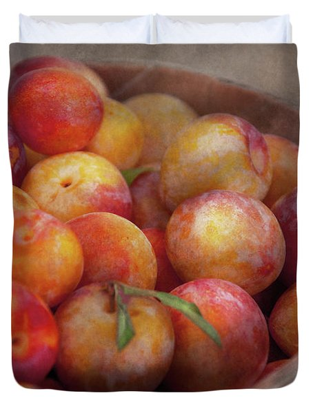 Food - Peaches - Farm Fresh Peaches  Duvet Cover by Mike Savad