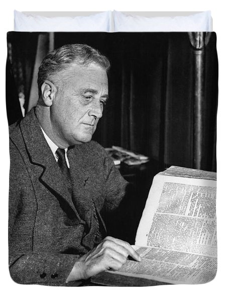 Franklin D. Roosevelt, 32nd American Duvet Cover by Photo Researchers