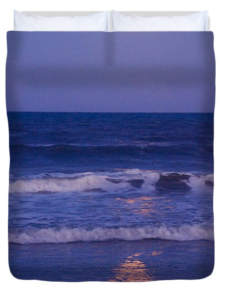 Full Moon Over The Ocean Duvet Cover by Susanne Van Hulst