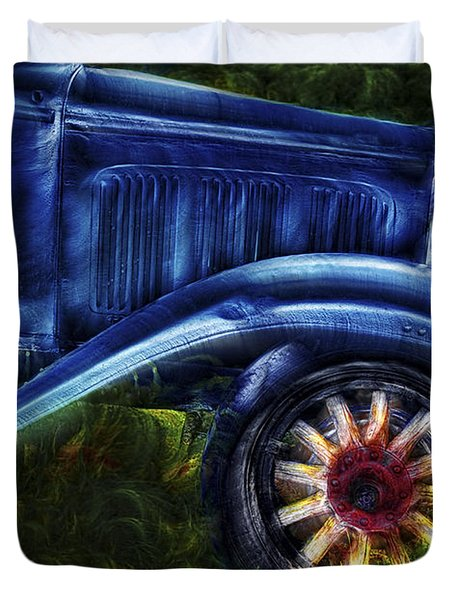 Funky Old Car Duvet Cover by Susan Candelario
