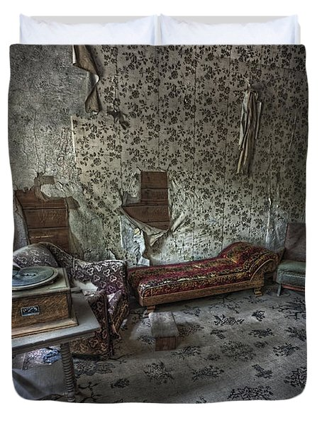 Garnet Ghost Town Hotel Parlor - Montana Duvet Cover by Daniel Hagerman