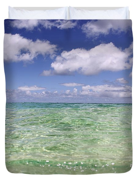 Green Water Seascape Duvet Cover by Vince Cavataio