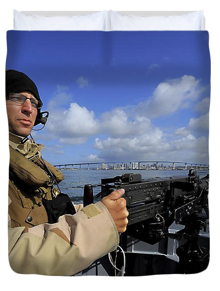 Gunners Mate Mans An M2 Hb .50-caliber Duvet Cover by Stocktrek Images