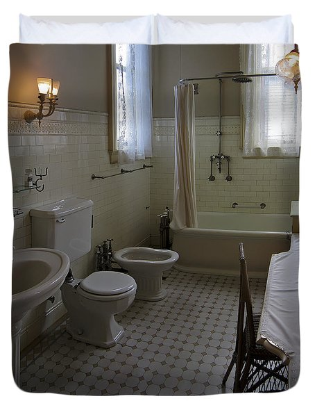 HAAS LILIENTHAL HOUSE VICTORIAN BATH - SAN FRANCISCO Duvet Cover by Daniel Hagerman
