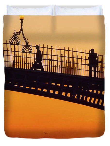 Hapenny Bridge, Dublin, Co Dublin Duvet Cover by The Irish Image Collection
