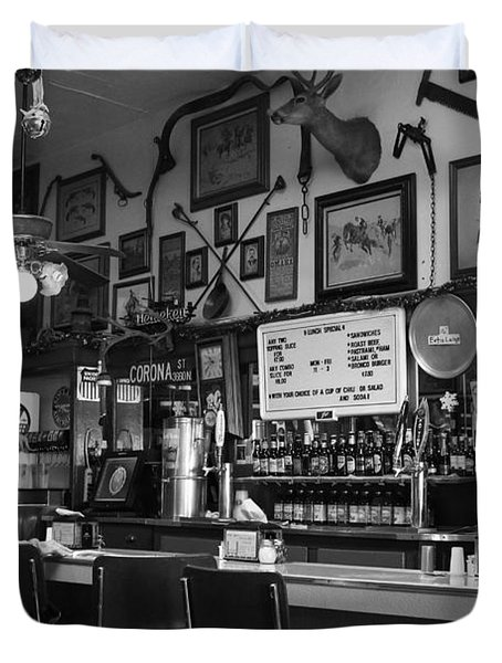 Historic Niles District in California Near Fremont . Bronco Billys Pizza Palace . 7D10707 . bw Duvet Cover by Wingsdomain Art and Photography