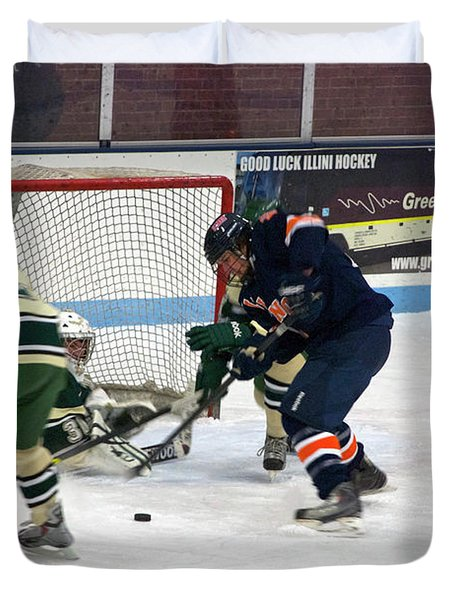 Hockey One On Four Duvet Cover by Thomas Woolworth