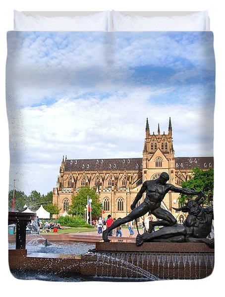 Hyde Park Fountain And St. Mary's Cathedral Duvet Cover by Kaye Menner