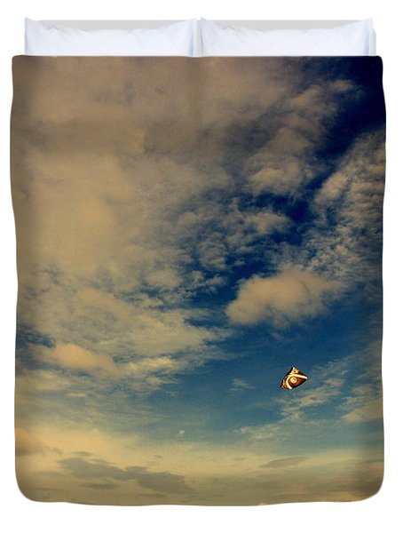 Kite at Folly Beach near Charleston SC Duvet Cover by Susanne Van Hulst