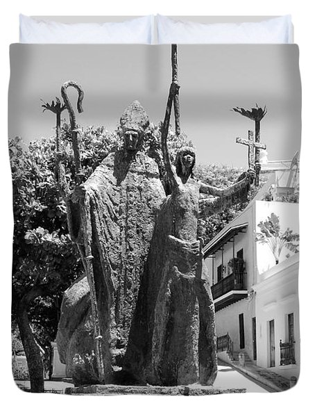La Rogativa Sculpture Old San Juan Puerto Rico Black And White Duvet Cover by Shawn O'Brien