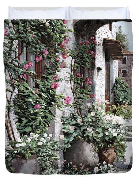 Le Rose Rampicanti Duvet Cover by Guido Borelli
