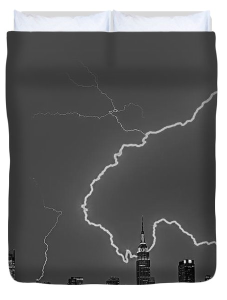 Lightning Bolts Over New York City Bw Duvet Cover by Susan Candelario