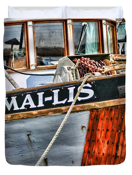 Mai-lis Tug-hdr Duvet Cover by Randy Harris