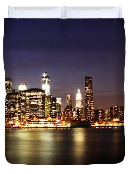 Manhattan Panorama Duvet Cover by Andrew Paranavitana