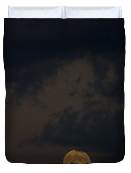 Moon Rising 03 Duvet Cover by Thomas Woolworth