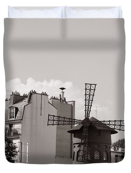 Moulin Rouge Duvet Cover by Andrew Fare