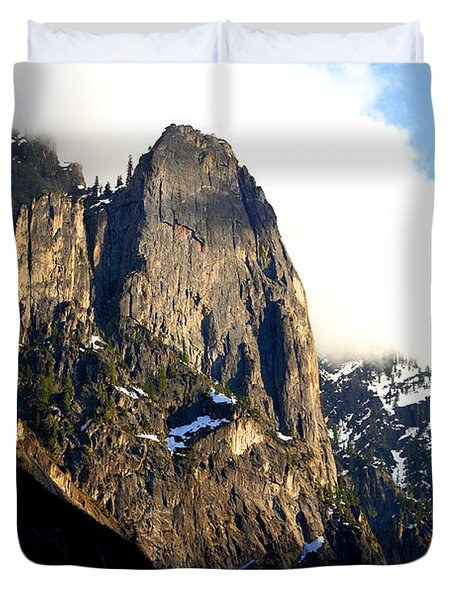 Mountains Of Yosemite . 7d6167 Duvet Cover by Wingsdomain Art and Photography