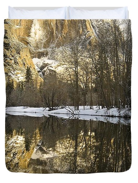 Mountains Reflecting In Merced River In Duvet Cover by Robert Brown