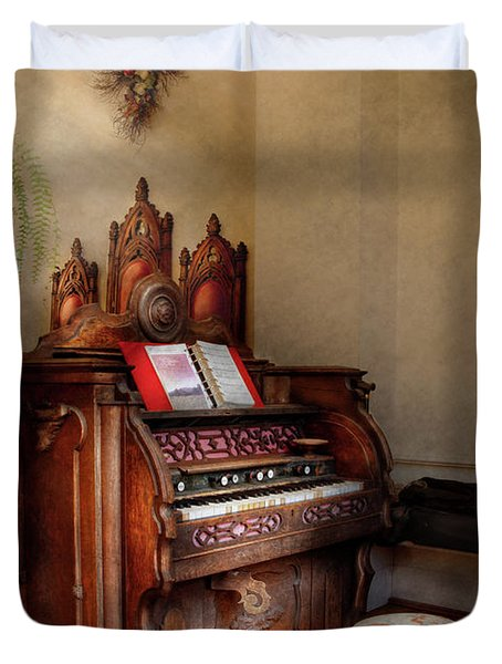 Music - Organ - Hear The Joy  Duvet Cover by Mike Savad
