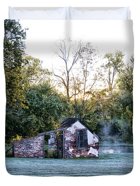 Narcissa Springhouse In Fall Duvet Cover by Bill Cannon