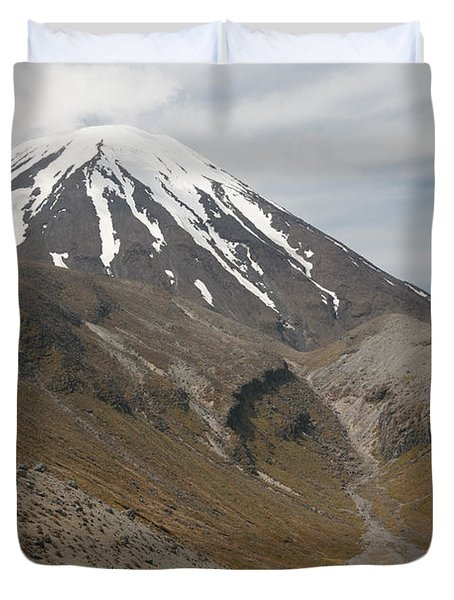 Ngauruhoe Cone And Upper Tama Lake Duvet Cover by Richard Roscoe