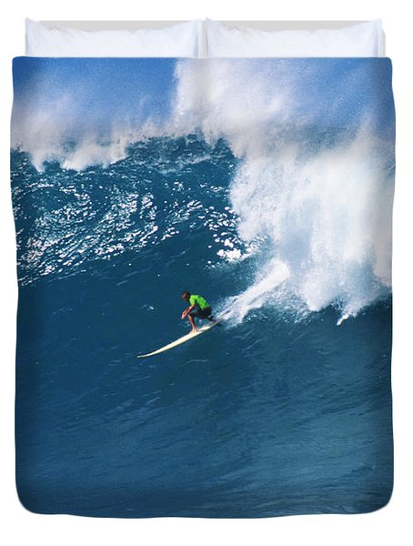 Noah At Waimea Duvet Cover by Vince Cavataio - Printscapes