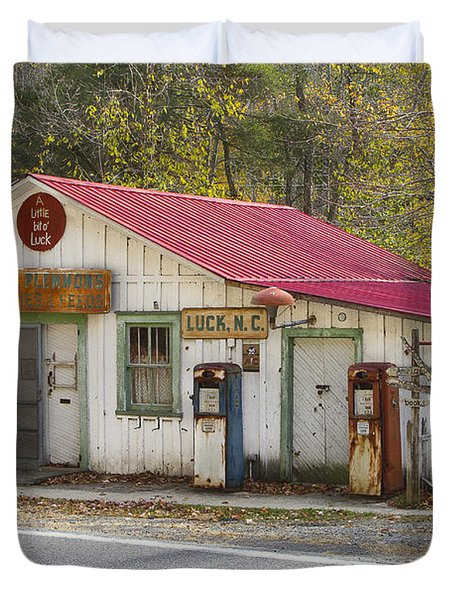 North Carolina Country Store And Gas Station Duvet Cover by Bill Swindaman