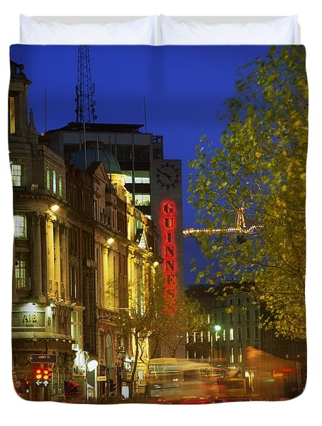 Oconnell Street Bridge, Dublin, Co Duvet Cover by The Irish Image Collection