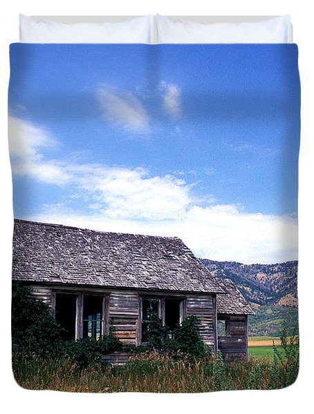 Old House in Idaho Duvet Cover by Kathy Yates