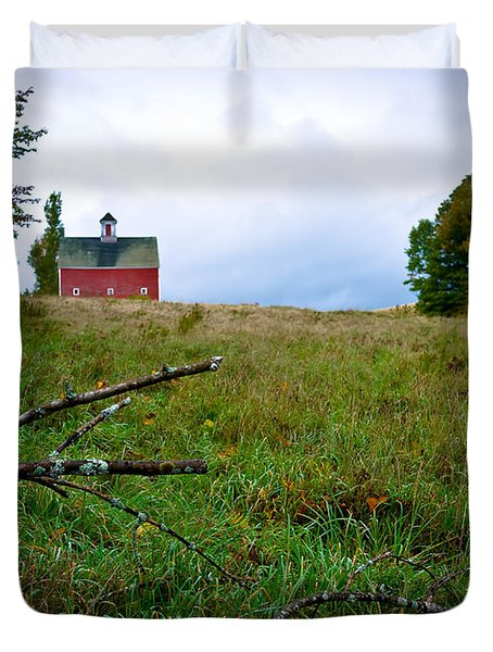 Old Red Barn On The Hill Duvet Cover by Edward Fielding